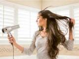Потому что сушить волосы феном обязательно и другие неожиданные открытия от британского доктора (как правильно сушить волосы)